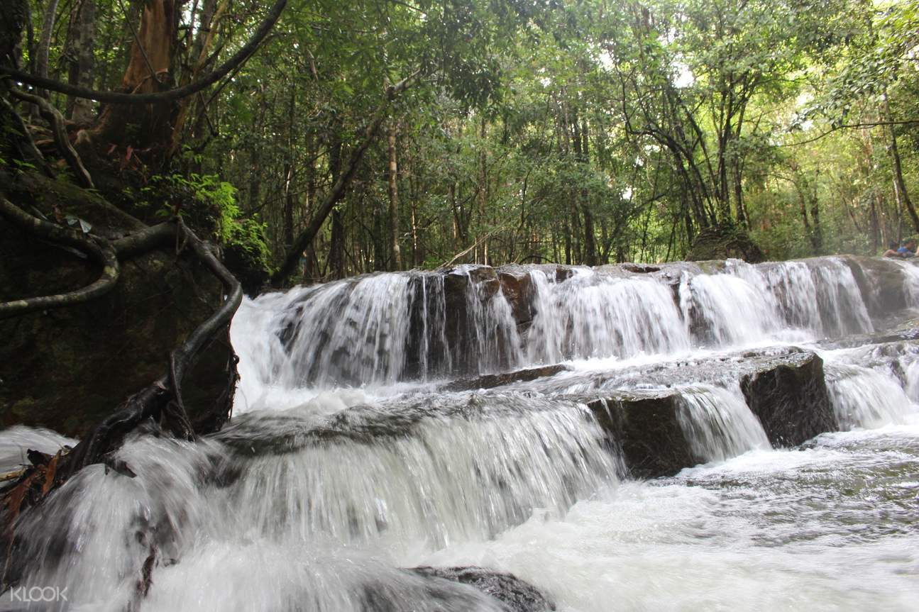 Visit one of the most striking natural attractions on Phu Quoc Island, Tranh Stream